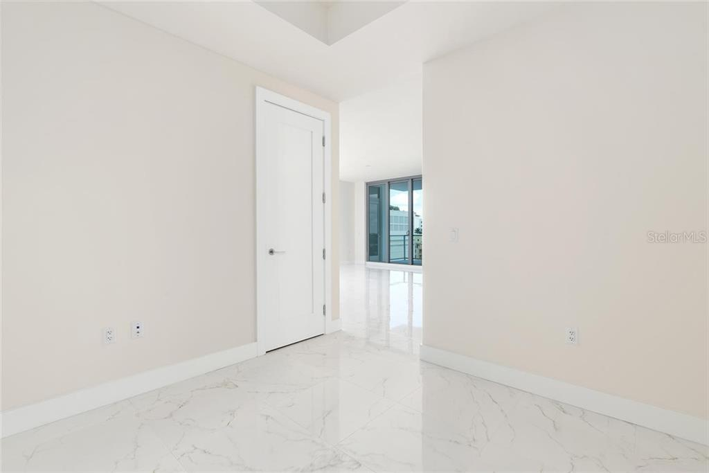 Condo for sale at 111 S Pineapple Ave #721, Sarasota, FL 34236 - MLS Number is A4461148