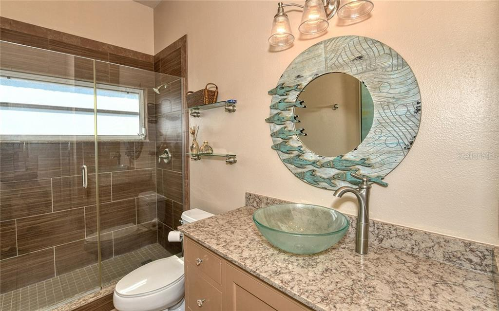 Updated 2nd bath - Villa for sale at 4605 Samoset Dr, Sarasota, FL 34241 - MLS Number is A4463082