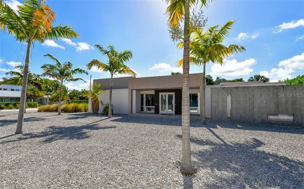 Single Family Home for sale at 1354 Westway Dr, Sarasota, FL 34236 - MLS Number is A4463694