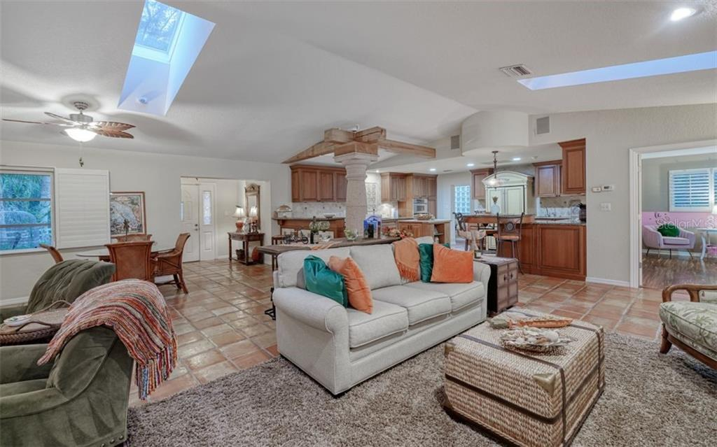 A WONDERFUL OPEN FLOOR PLAN FOR EVERY FAMILY'S NEEDS! - Single Family Home for sale at 3 Winslow Pl, Longboat Key, FL 34228 - MLS Number is A4464990