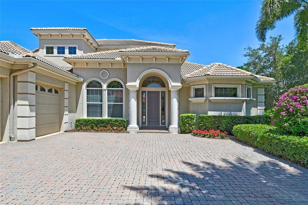 Single Family Home for sale at 9025 Rocky Lake Ct, Sarasota, FL 34238 - MLS Number is A4470339