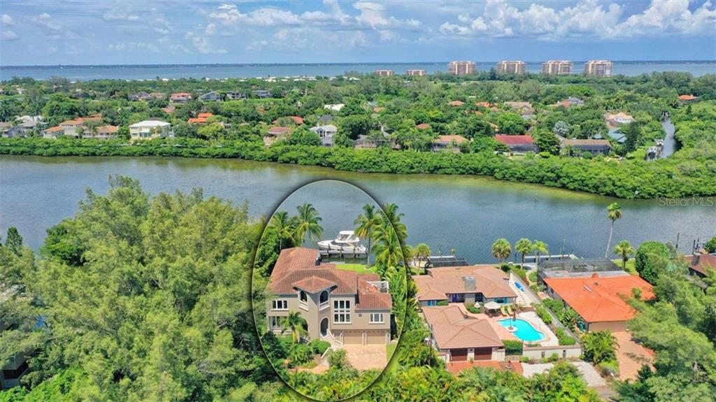 Single Family Home for sale at 8 Winslow Pl, Longboat Key, FL 34228 - MLS Number is A4472608