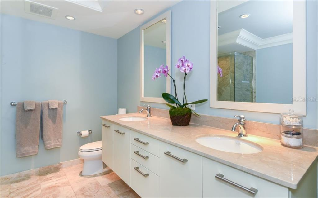 Master bath - Condo for sale at 1350 Main St #1001, Sarasota, FL 34236 - MLS Number is A4472708