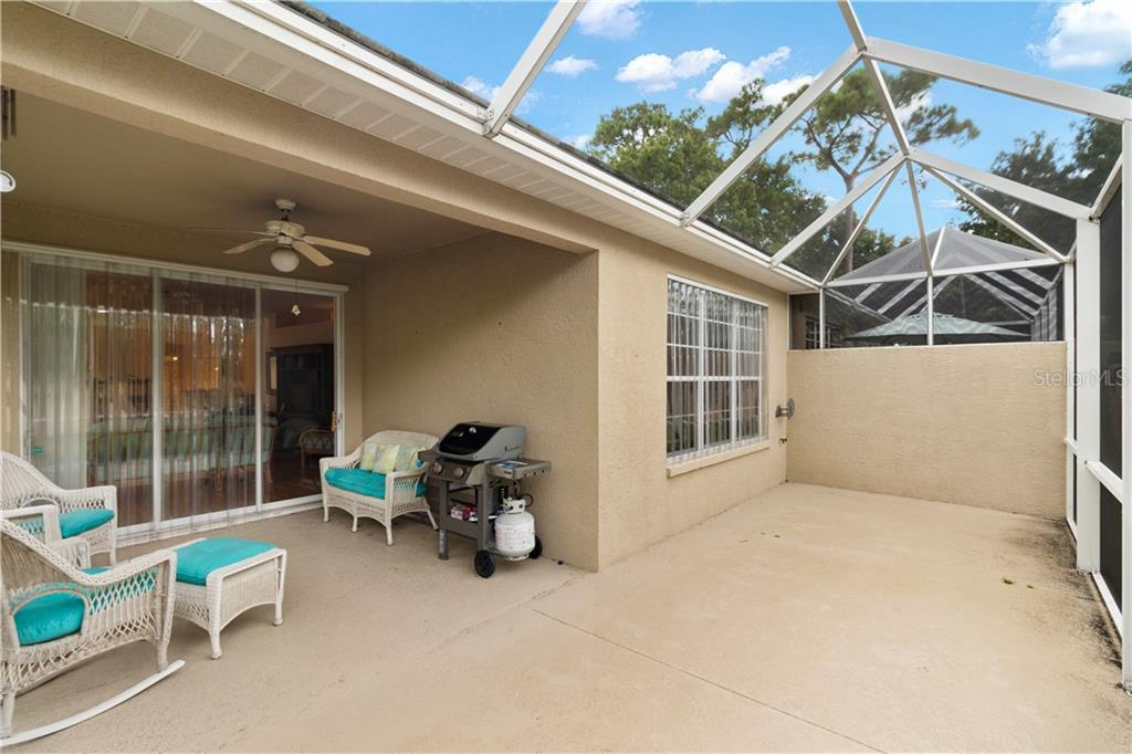 Villa for sale at 4823 Lakescene Pl, Sarasota, FL 34243 - MLS Number is A4474149