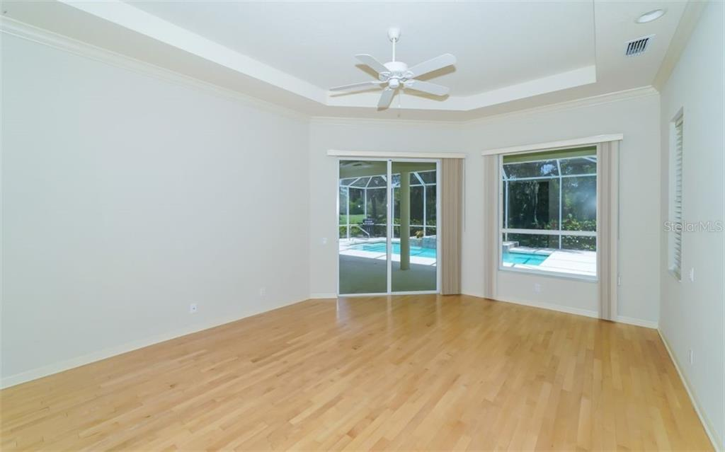 Master bedroom - Single Family Home for sale at 462 E Macewen Dr, Osprey, FL 34229 - MLS Number is A4476181