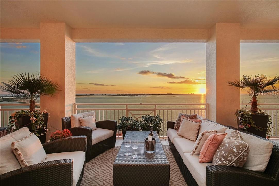 Sunset Dining - Condo for sale at 35 Watergate Dr #1803, Sarasota, FL 34236 - MLS Number is A4476458