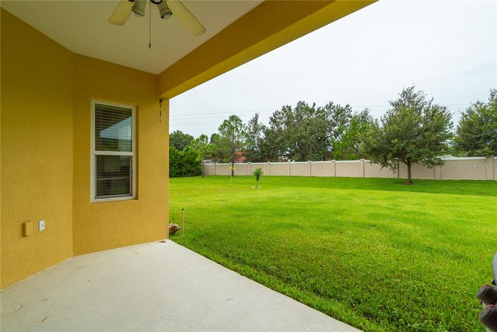 Single Family Home for sale at 7040 White Willow Ct, Sarasota, FL 34243 - MLS Number is A4477895