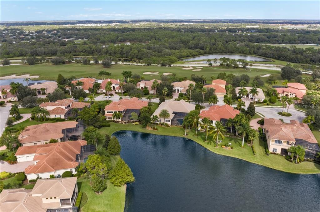 Single Family Home for sale at 12710 Deacons Pl, Lakewood Ranch, FL 34202 - MLS Number is A4482622