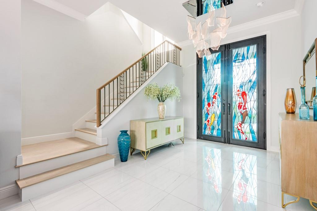 Elegant Wood Stairway - Single Family Home for sale at 121 Seagull Ln, Sarasota, FL 34236 - MLS Number is A4483951