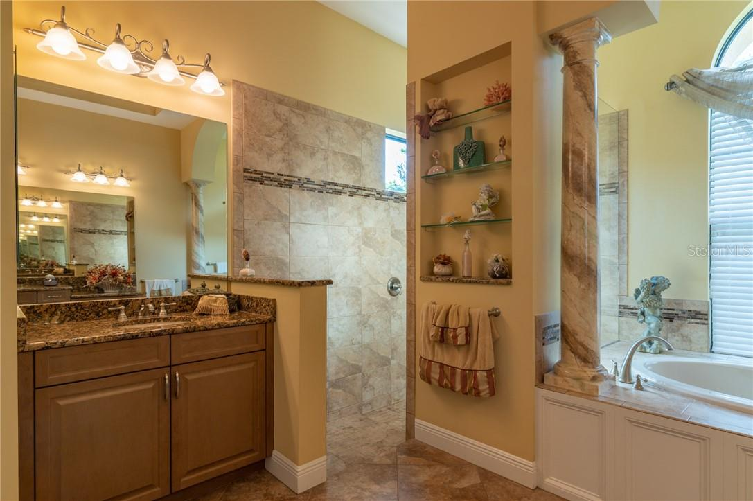 The second vanity in the Owners' Suite Bathroom. - Single Family Home for sale at 11720 Rive Isle Run, Parrish, FL 34219 - MLS Number is A4486302
