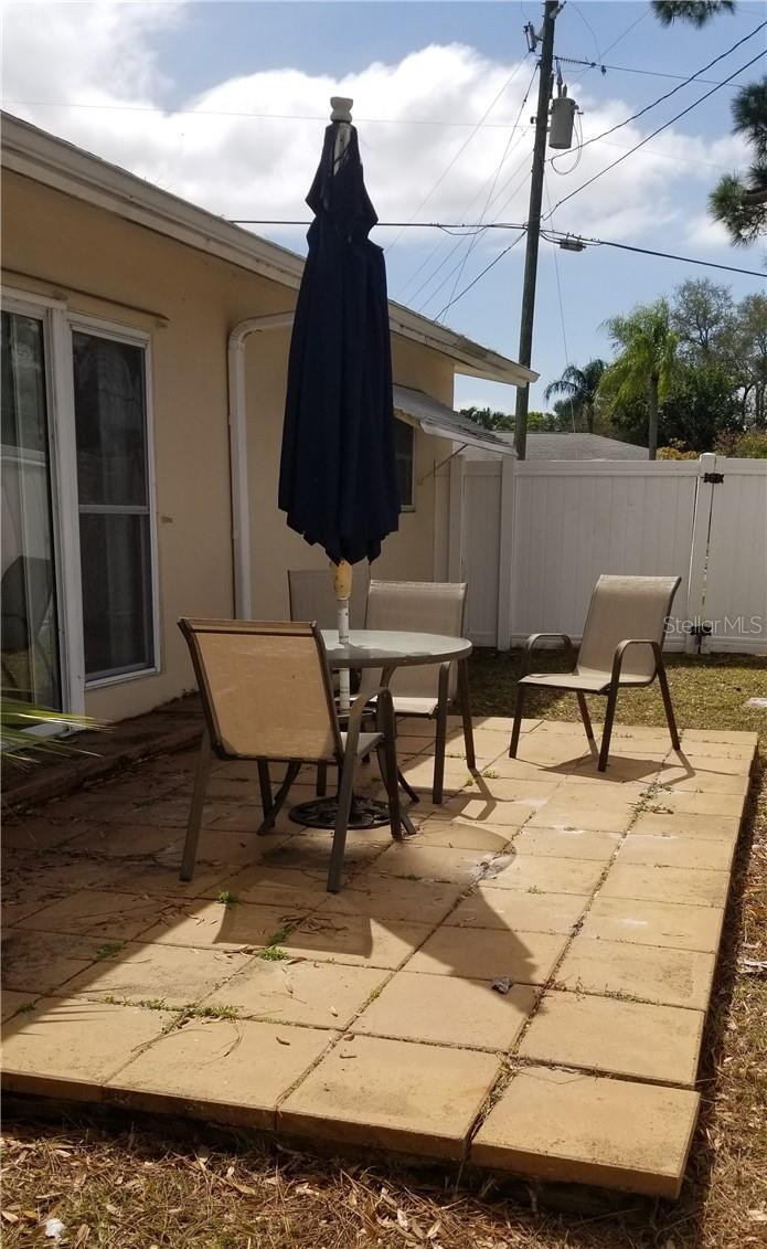 Single Family Home for sale at 4902 7th Ave W, Bradenton, FL 34209 - MLS Number is A4492742
