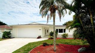 6747 Keystone Dr, Sarasota, FL 34231