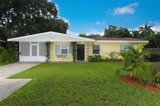2618 Fort Worth St, Sarasota, FL 34231