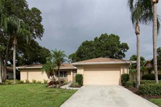 4854 Huntleigh Dr, Sarasota, FL 34233