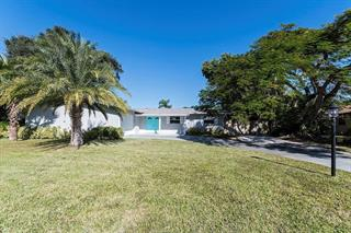 5724 8th Avenue Dr W, Bradenton, FL 34209
