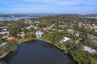 1624 N Lake Shore Dr, Sarasota, FL 34231