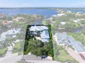 Single Family Home for sale at 7462 Cove Ter, Sarasota, FL 34231 - MLS Number is A4164325