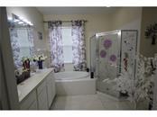 5377 New Covington Dr, Sarasota, FL 34233 - thumbnail 15 of 22