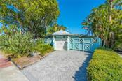 335 N Washington Dr, Sarasota, FL 34236