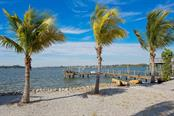 1430 Point Crisp Rd, Sarasota, FL 34242 - thumbnail 15 of 25