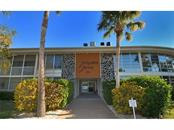500 S Washington Dr #2b, Sarasota, FL 34236