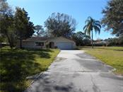 3800 Ironwood Ct, Sarasota, FL 34243