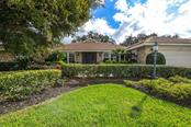 6932 Country Lakes Cir, Sarasota, FL 34243