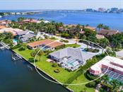 Aerial view - Single Family Home for sale at 422 Meadow Lark Dr, Sarasota, FL 34236 - MLS Number is A4410562