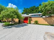 Single Family Home for sale at 1155 Center Pl, Sarasota, FL 34236 - MLS Number is A4444654