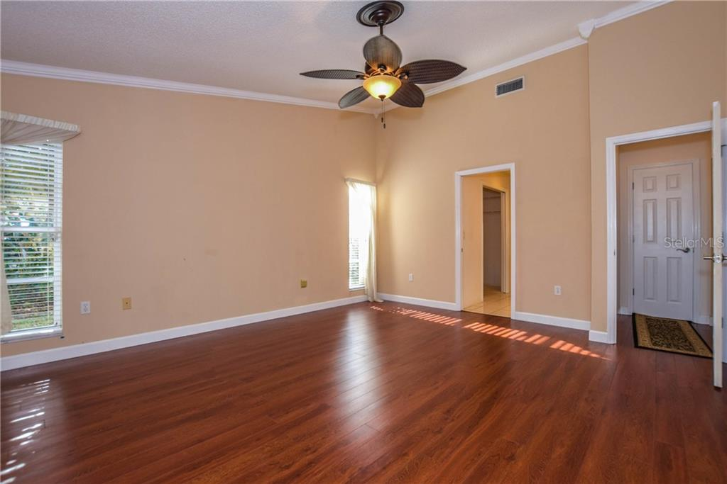 Guest Bedroom - Single Family Home for sale at 512 Warwick Dr, Venice, FL 34293 - MLS Number is N5912872