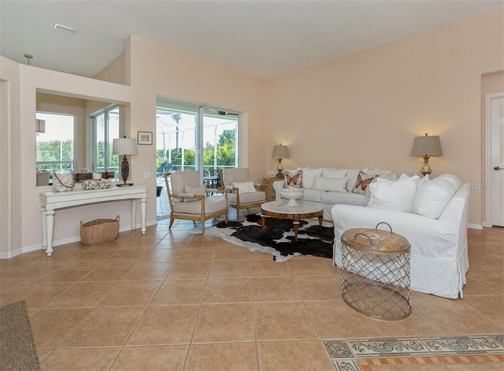 Living Room - Single Family Home for sale at 279 Royal Oak Way, Venice, FL 34292 - MLS Number is N5912986