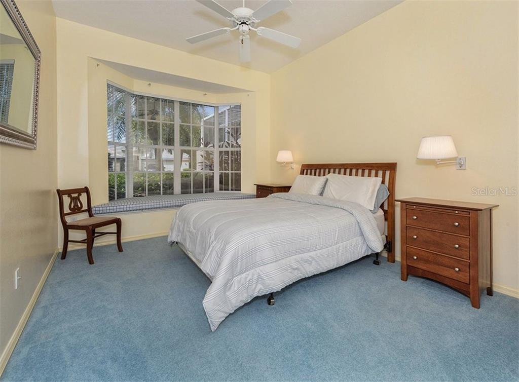 Bedroom 2 - Single Family Home for sale at 214 Vestavia Dr, Venice, FL 34292 - MLS Number is N5913794