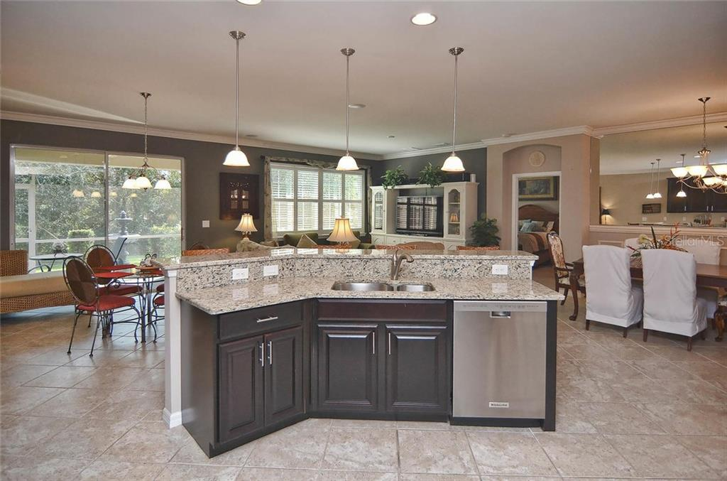 Interior layout - Single Family Home for sale at 9124 Coachman Dr, Venice, FL 34293 - MLS Number is N5914408