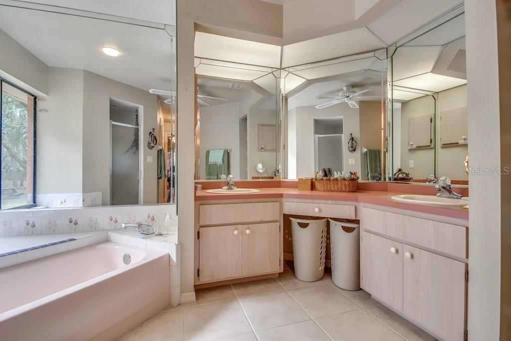 Master bathroom - Single Family Home for sale at 3810 Albin Ave, North Port, FL 34286 - MLS Number is N6100509