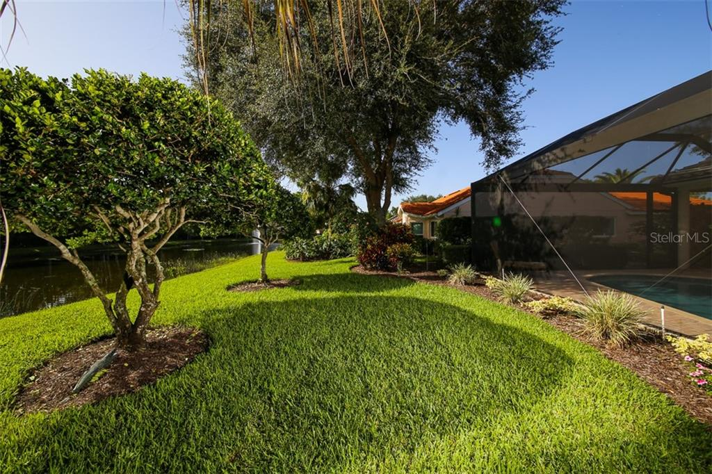 Single Family Home for sale at 122 Wayforest Dr, Venice, FL 34292 - MLS Number is N6101532