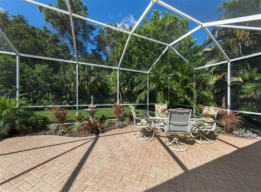 Single Family Home for sale at 141 Wayforest Dr, Venice, FL 34292 - MLS Number is N6102416