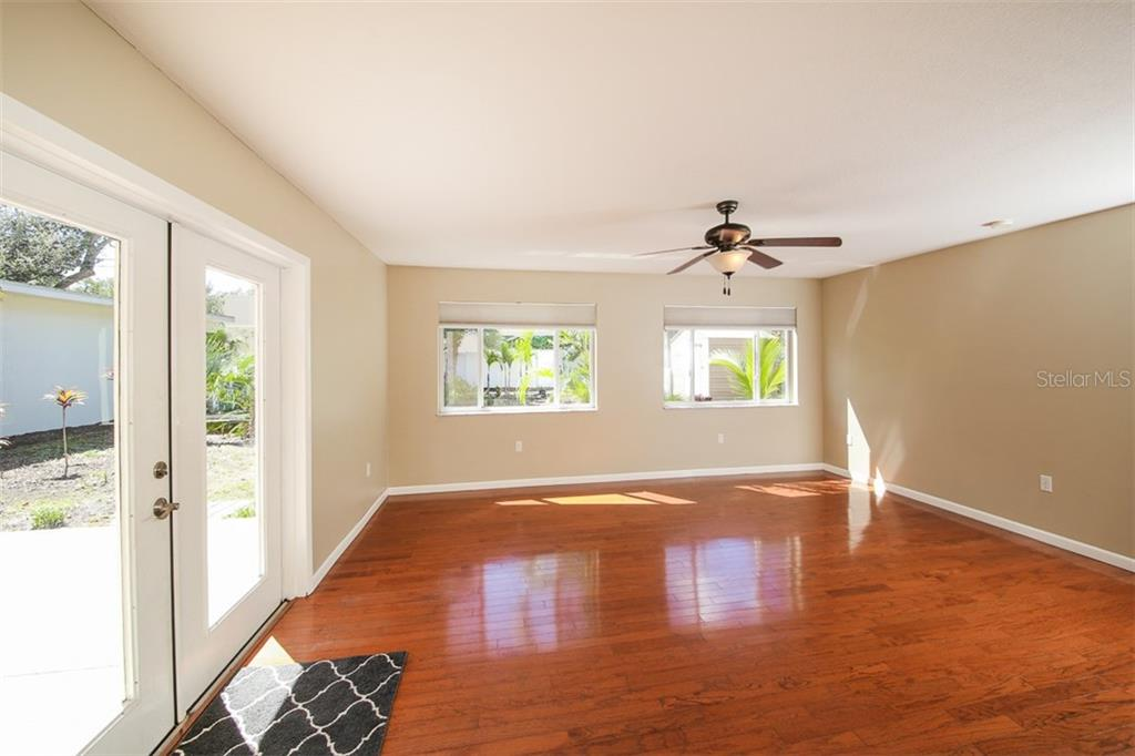 Single Family Home for sale at 830 Guild Dr, Venice, FL 34285 - MLS Number is N6102476