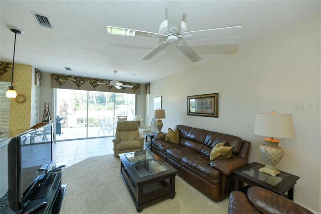 Villa for sale at 118 Woodbridge Dr #6, Venice, FL 34293 - MLS Number is N6102767