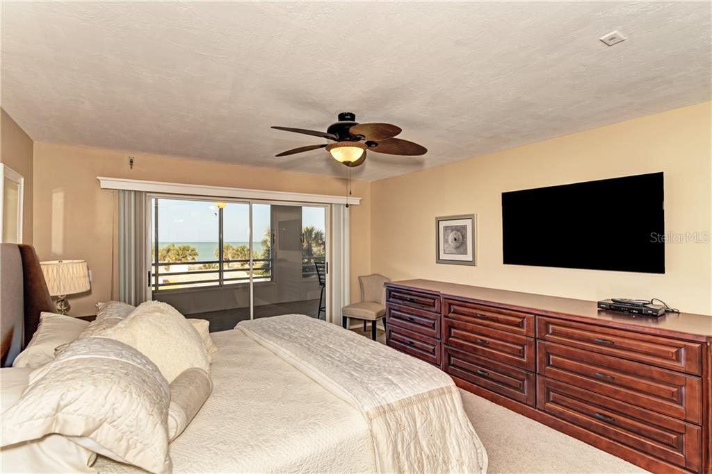 Condo for sale at 550 W Flamingo Dr #205, Venice, FL 34285 - MLS Number is N6102791