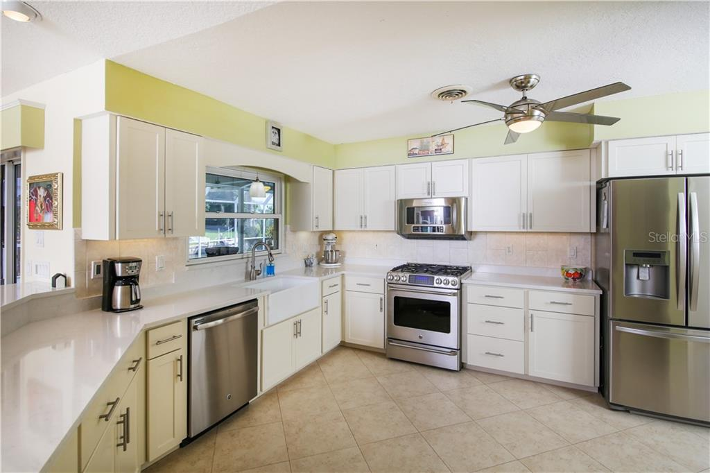 Single Family Home for sale at 327 Oakwood Cir, Englewood, FL 34223 - MLS Number is N6102809