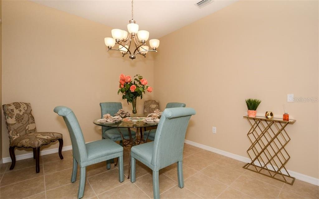 Single Family Home for sale at 11415 Fort Lauderdale Pl, Venice, FL 34293 - MLS Number is N6102975