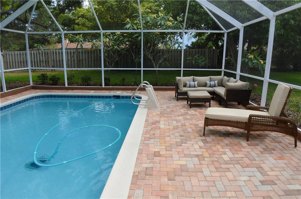 Pool - Single Family Home for sale at 400 Park Lane Dr, Venice, FL 34285 - MLS Number is N6103786