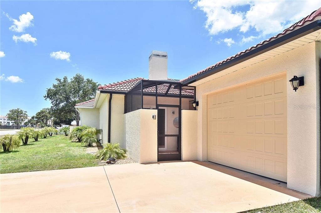 Exterior 3rd garage - Single Family Home for sale at 753 Guild Dr, Venice, FL 34285 - MLS Number is N6105757
