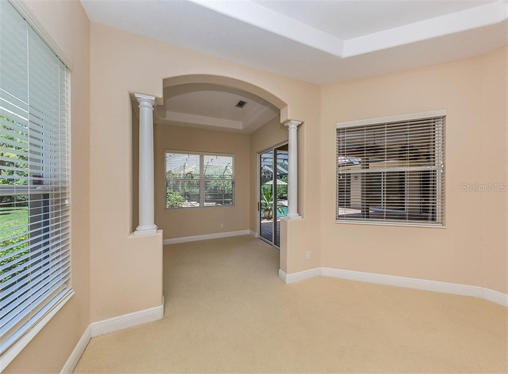 Master bedroom - Single Family Home for sale at 106 Vicenza Way, North Venice, FL 34275 - MLS Number is N6106168