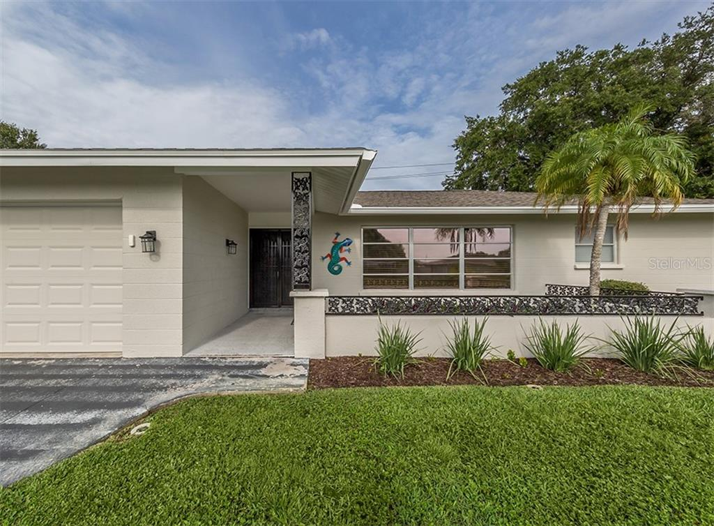 Single Family Home for sale at 1601 Alton Rd, Venice, FL 34293 - MLS Number is N6106391