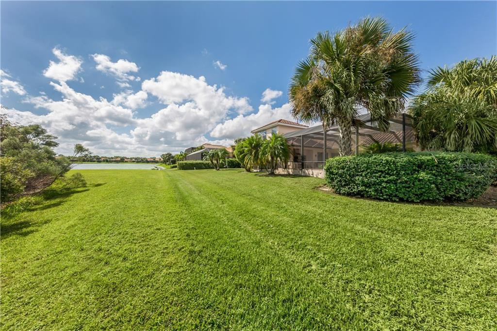 Back View of Property - Single Family Home for sale at 262 Pesaro Dr, North Venice, FL 34275 - MLS Number is N6107589