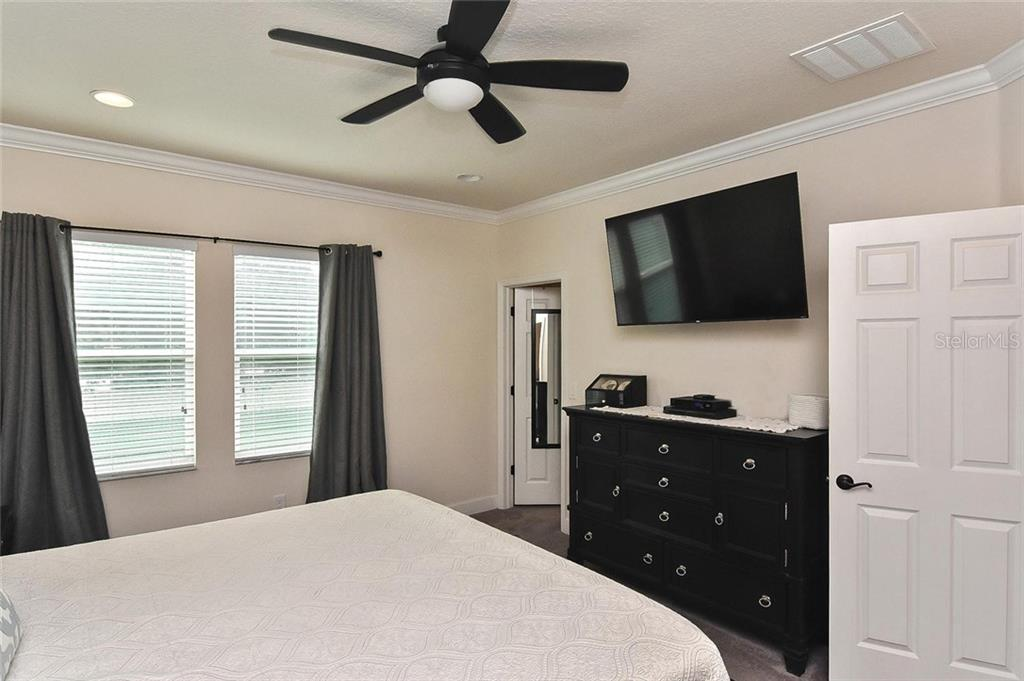 Master bedroom - Townhouse for sale at 10713 Avery Park Dr, Riverview, FL 33578 - MLS Number is N6107928