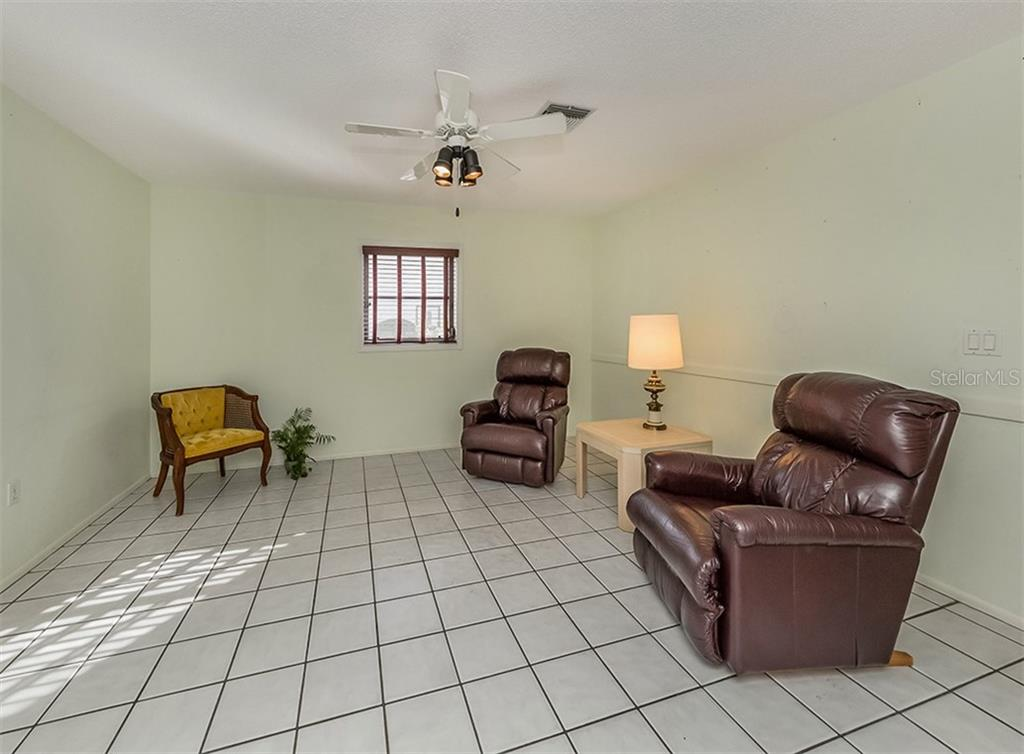 Family room - Single Family Home for sale at 1569 Vermeer Dr, Nokomis, FL 34275 - MLS Number is N6108096