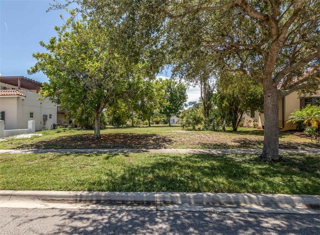 Street view - Vacant Land for sale at 305 Ponce De Leon Ave, Venice, FL 34285 - MLS Number is N6111554