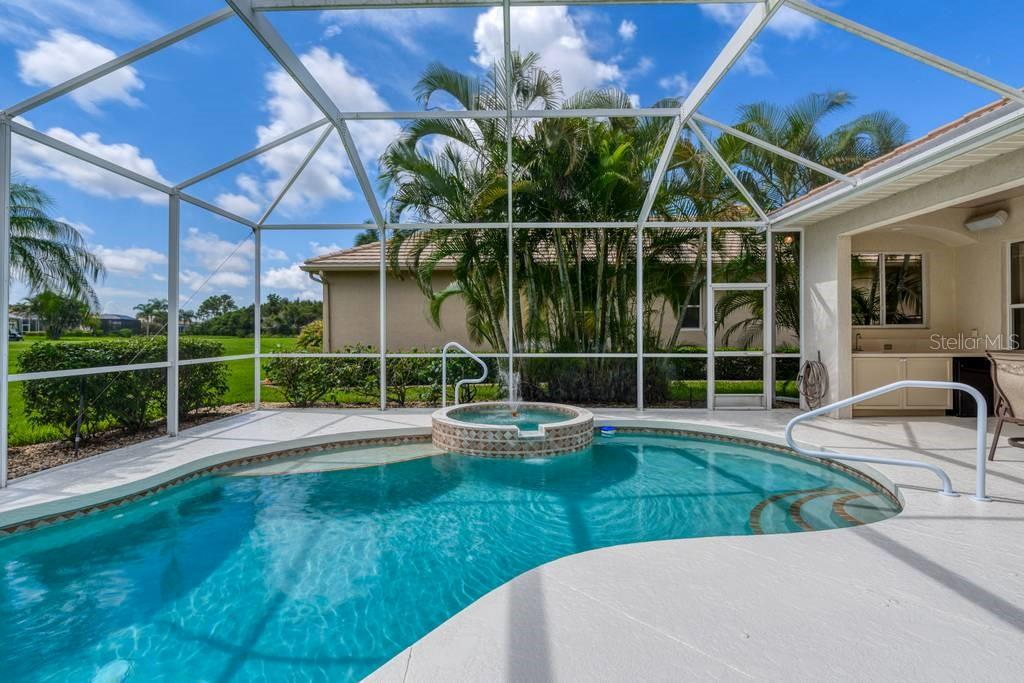 Pool/spa - Single Family Home for sale at 601 Cockatoo Cir, Venice, FL 34285 - MLS Number is N6111658